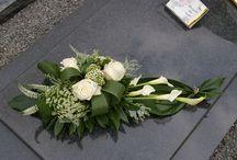 Kompozycje Funeralne / ... NIE UMIERA TEN KTO POZOSTAJE W SERCU I PAMIĘCI BLISKICH.......
