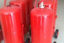 Yangın Söndürme Ekipmanları / 3KA Yangın Gereçleri San. Ve Tic. Ltd. Şti. yangın söndürme tüpü3KA Yangın, yangın söndürme tüpü, yangın algılama sistemleri, yangın tüpü, yangın merdiveni, yangın kapısı, yangın dolabı, yangın söndürme cihazları, yangın alarmları, yangın dedektörleri, koruyucu yangın ekipmanları, yangın söndürme gereçleri, yönlendirme levhaları konusunda Maltepe'de hizmet vermektedir.