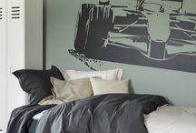 Zonnelux | Shutters in luxe interieur / Hij is een nuchtere Nederland die houdt van eenvoud. Zij is een bruisende Russische met een voorkeur voor luxe en glamour. Hoe combineer je zo'n uitersten tot een sfeervol interieur? Ze kozen voor witte shutters van Zonnelux. – reportage 'Uitersten in Balans', Stijlvol Wonen november/december 2016