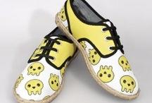 Sarı Tasarımlar / En eşsiz sarı tasarımlara ulaşmanın en keyifli yolu www.nishmoda.com. Sarı ayakkabılar, sarı çantalar, sarı defterler ve onlarca sarı tasarım