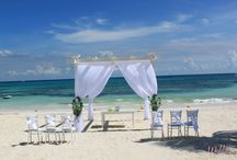 Vow Renewals / Vow renewals are just as beautiful and sacred as your original wedding day!