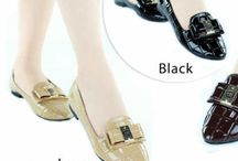 Gucci import / Sepatu dan sandal Gucci import hongkong   ukuran standar asia jadi sama dengan ukuran yang biasa pakai   keterangan detail ada di masing  masing gambar   follow my new instagram artati_shine  pemesanan harap cantumkan ukuran, warna dan gambar   Peminat serius hub whatsapp  087825743622 line id @jps9410s