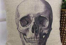 Skulls / by Shannon Soliz