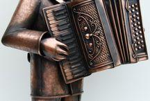 Бронза скульптура,латунь,патина.