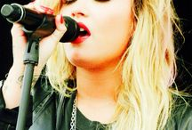 Demi ♥ / Staying strong #queen