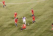 FUTBOL, FUTBOL, FUTBOL / Cuanto más difícil es la victoria, mayor es la felicidad de ganar. - Pelé .
