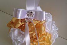 Porta aliança esfera de flores / Confeccionamos na cor de sua preferência!