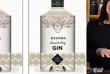 """Kianda Distillery, Kianda, Angola / Sabores angolanos vão misturar-se com uma aposta na afirmação regional, criando um gin com infusão de plantas locais. Casca de embondeiro e noz-moscada são alguns dos ingredientes nacionais que fazem o rótulo da nova bebida. """"Há poucas iniciativas a utilizar ingredientes africanos para criar produtos ao mesmo tempo locais e sofisticados"""", afirmou Lorna Scott, responsável pela Inverroche ao diário sul-africano Business Day."""