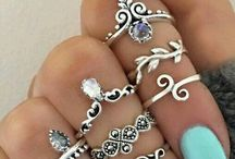 Downright Cool Jewelry from Around the World / jewelry from around the word, trendy jewelry, 2018 jewelry trends, womens fashion, womens jewelry