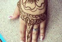 Henna Art / It's all the fun of body art without the commitment of a permanent tattoo.