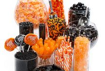 Candy Buffets. Looks amazing! / Impossible to eat that much candy, but it looks great! <3