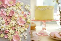 Pretty cakes / by Juliet Mai
