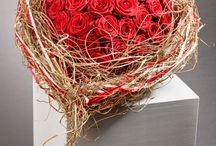 it's coming : Valentin 2015 / Auf der Internationalen Pflanzenmesse IPM ESSEN 2015 (27.01.-30.01.2015) haben Floristen romantische blumige Inspirationen für den Tag der Liebe gezeigt. Diese emotinonalen floralen Arrangements gibt es nur im Blumenfachhandel !