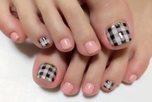plaid-checked nails