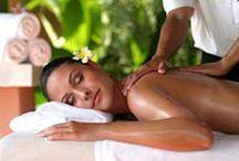 HAVAJSKÁ MASÁŽ LOMI LOMI / Havajská masáž Lomi Lomi je terapie, která svými relaxačními a terapeutickými účinky patří mezi nejoblíbenější způsoby odpočinku. Vychází z velice jemných a plynulých technik pocházejících z havajských ostrovů. Nechte Vaše blízké hýčkat v rukou našich úžasných masérek.  Více info: http://www.impresio.eu/zazitek/havajska-masaz-lomi-lomi