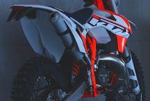 minted motocross medley