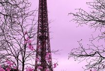We love Eiffel Tower! / Admire the Eiffel Tower in all its forms. We love it when it sparkles!