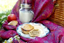 Summer Picnic Snacks / A Pink Lady® apple is already a perfect snack, but because it's so tasty, it also works wonders at bringing out the flavour of other ingredients too. These exclusive recipes show you just how versatile a Pink Lady® apple is.