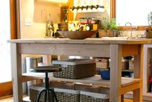 kitchen islands / by Dawn Brown