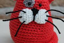 Kissa punainen vikattu