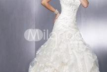 wedding dress / by Jessie Ake