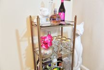 Bar cart styling / See how I transformed this $4 thrifty find to a classy bar cart.