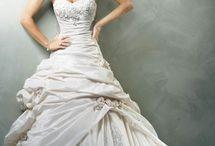 Future Wedding Ideas / by Lyndsey Raynor