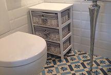 Baño mosaico azul