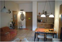 Apartamenty Międzyzdroje / Komfortowe apartamenty Międzyzdroje ulokowane są w bliskim sąsiedztwie plaży i morza. Wynajem apartamentu to znakomite rozwiązanie dla odwiedzających Międzyzdroje, którzy cenią sobie spokój, komfort i korzystne ceny.
