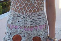 Verano, bello verano / Prendas tejidas a crochet, en hilos de algodon y cintas de hilo de algodon. Soleras, musculosas, shorts, polleras.