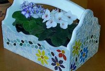 Mosaicos da Lorena / Vaso de Mosaico com louça.