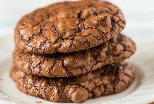 Cakes & Cookies / by Ariel Kim