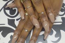 Stilleto & coffin nails