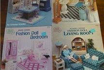 Dolls and the little people / Clothes, furniture and other things for dolls and little people