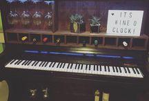 Weinbar Piano
