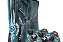 Consoles - Xbox 360 / Various Xbox 360 consoles and controllers. All your favorite in different period.