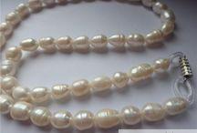Perle / Perlele sunt alegerea perfecta pentru realizarea colierelor, bratarilor si cerceilor.