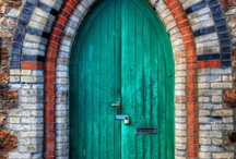 Doors, Windows & Staircases / by Gaby Benitez