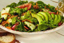 Healthy Dinner Recipes: Weight Loss Recipe: Avocado Walnut & Crispy Bacon Salad