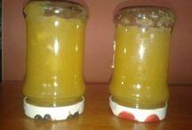 med z jablek,ananasu,zázvor