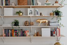 STYLING A BOOKCASE. / #celebrityrealestate #realestate #homesforsale #homedecor #dreamhomes #bathroom #kitchen #farmhouse #buildinrochester #mayoclinic #thingstodoinrochester #medcity #dmc #newconstruction #homedecorideas #diy #homeoffice #homedecordiy #farmhousestyle #farmhousekitchen #farmhousedecor #fixerupper #paintcolors #kitchenideas #kitchenorganization #organization #bathroomideas #ideas #homebuying #mortgage #realtor #realty #mudroom #sellhome