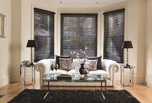 Houten Jaloezieën / Met onze houten jaloezieën brengt u sfeer in alle woonruimten.