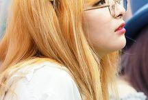 Red Velvet / Debut: 2014r. Members: Yeri Joy Wendy Seulgi Irene