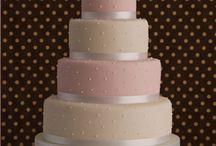 *cakes*