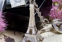 Paris Wedding Favors / Paris themed wedding favor ideas for your wedding guests.