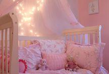 Lány szobák