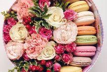 Prăjituri și flori