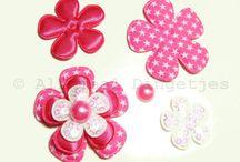 Bloemensetjes / Leuke bloemensetjes, door Allemaal Dingetjes zelf samengesteld. Voor op een broche, haarspeldje, diadeem!