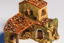 Collectibles Miniature Houses / Collectibles miniature houses, copies of famous buildings of the World.