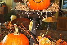 Fall Decor Ideas / Pumpkin centerpiece with burlap
